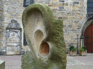 sculpture-540563_640