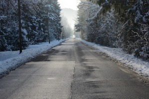 road-587451_640